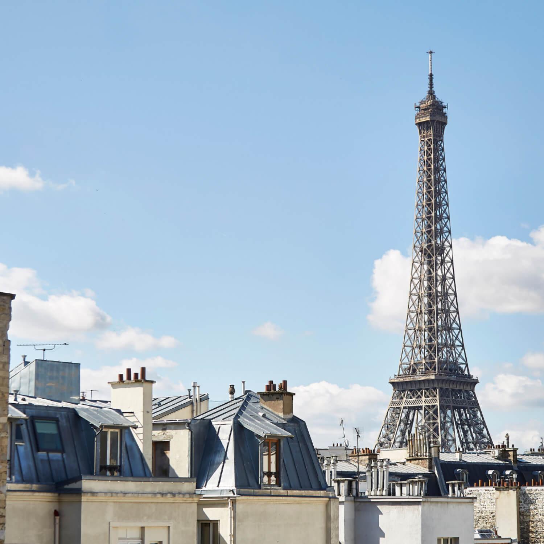 A Walk Through The Streets Of Paris