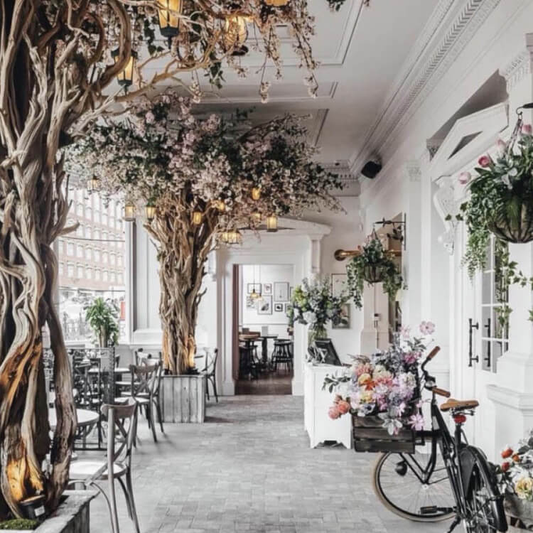 In Love With Luxury: Valentine's Dinner At The Florist